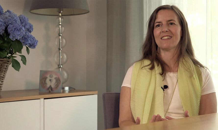 """""""Trauer ist Liebe"""" – Interview mit einer beeindruckenden Trauerbegleiterin"""